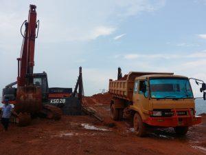 Loading di Pelabuhan Tanjung Moco, Dompak