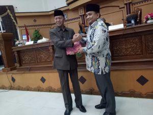 Walikota Tanjungpinang Syahru (kanan) dan Wakil Ketua DPRD Tanjungpinnang Ade Angga
