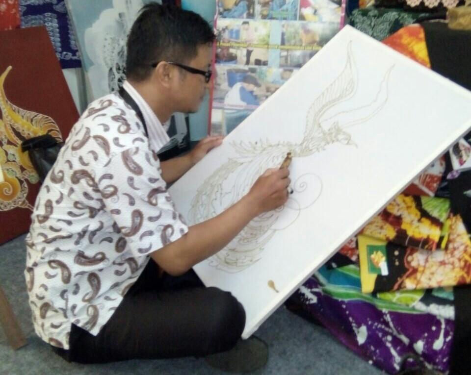 Bambang Yulianto pemilik Batik Wan Citra